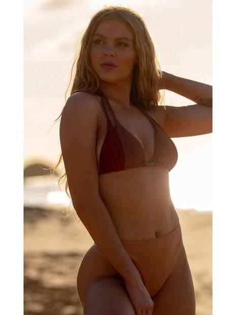 Luísa Sonza posa sensual e ganha chuva de likes de fãs na internet