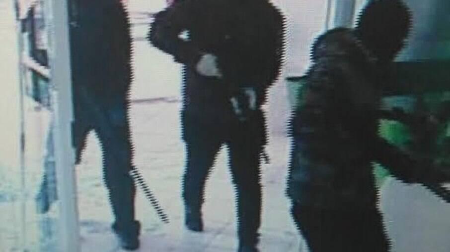 Assaltantes levaram R$ 130 milhões de agência do Banco do Brasil, em Criciúma, Santa Catarina