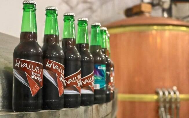 Cervejas bizarras: feita com testículos de baleia, a Hvalur 2 é uma das bebidas mais polêmicas da lista