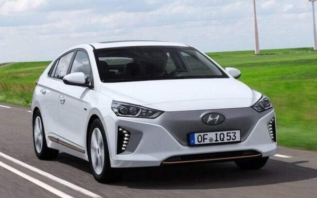 Hyundai Ioniq: Principal rival de sucessos mundiais como o Nissan Leaf. Coreano está cotado para vender no Brasil