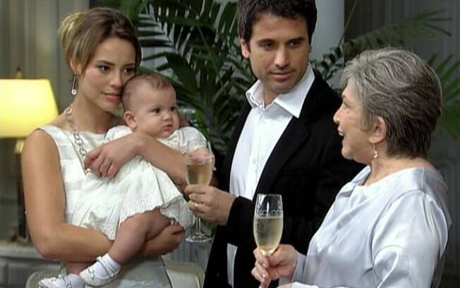 Pedro e Marina com a filha em