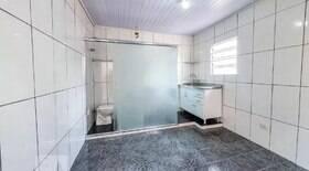 Apartamento com banheiro na cozinha viraliza nas redes