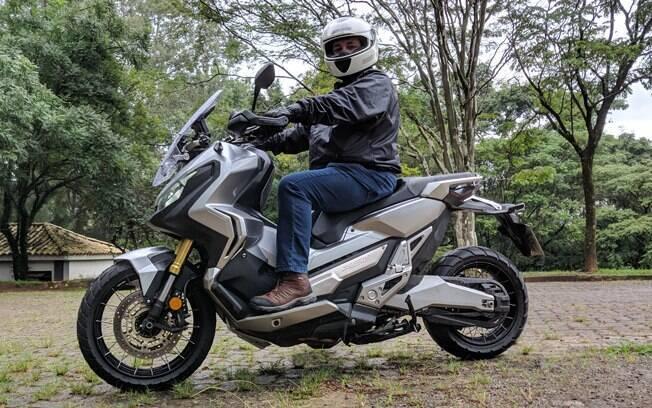 Honda X-Adv, cruzamento de motocicleta com scooter