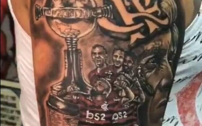 Flamenguista eterniza título da Libertadores com tatuagem