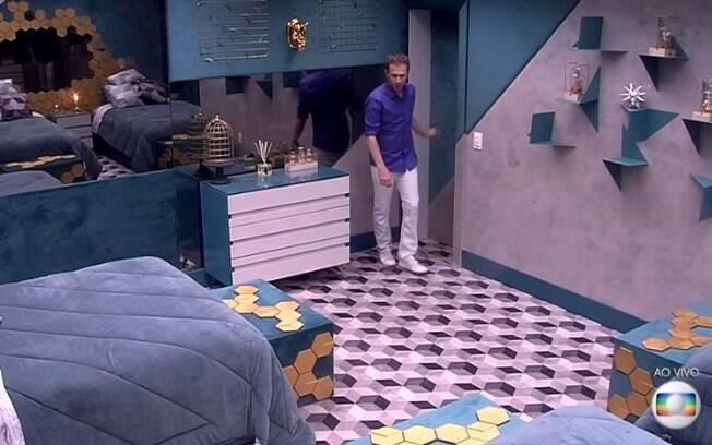 O outro dormitório do Big Brother Brasil é mais sóbrio e mescla verde turquesa com dourado