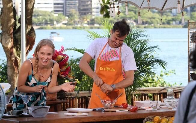 Angélica e Paulinho Vilhena se divertiram nas gravações do programa