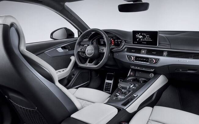 Interior do Audi RS4, que poderá ser avaliado pelos visitantes do Salão do Automóvel 2018