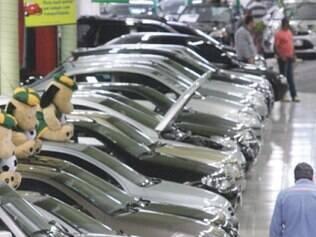 Setor automotivo deve se recuperar em 2015, prevê presidente da Anfavea