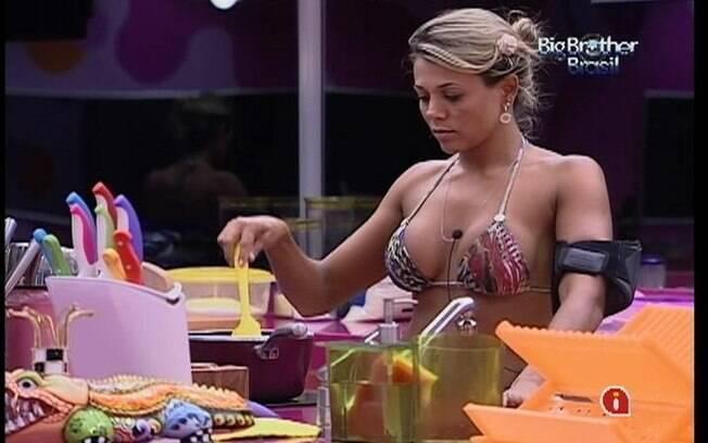 Paulista finaliza o almoço sozinha
