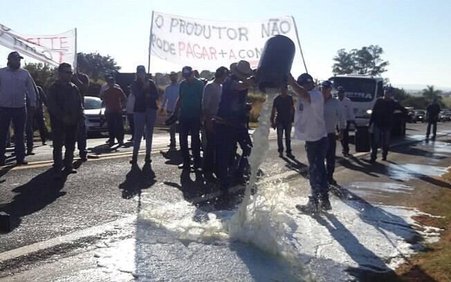 Produtores da cidade de Passos aderiram aos protestos dos caminhoneiros, segundo presidente de associação