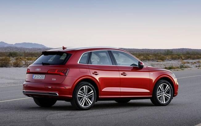 Audi Q5 ficou mais econômico. Com o motor 2.0 TFSI a gasolina, faz 14,7 km/l em ciclo combinado