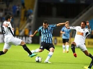Volante Pierre voltou a mostrar garra no meio campo do Atlético