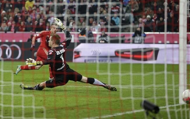 Shaqiri fez gol de empate do Bayern no 1 a 1  com o Borussia M?gladbach, em jogo que encerrou o  primeiro turno