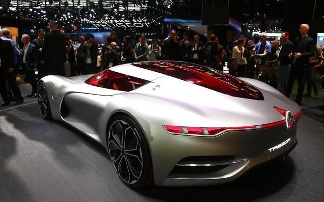 O conceito é equipado com  um motor elétrico de 354 cv, vindo dos modelos da Fórmula E.