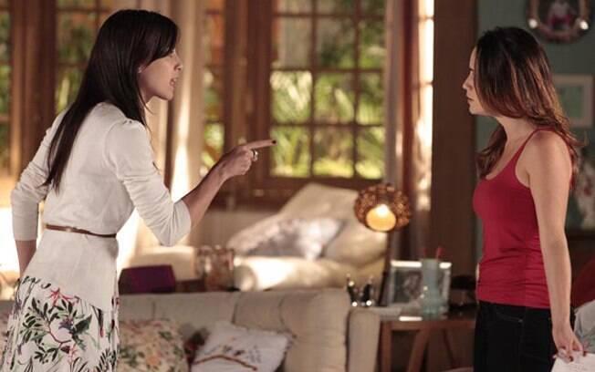 Manu acusa Ana de estar usando Lúcio