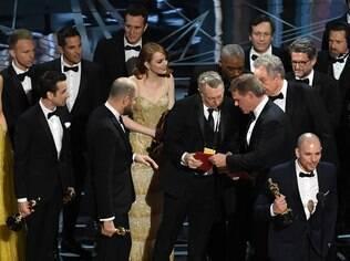Confusão, tristeza e felicidade no palco do Oscar 2017