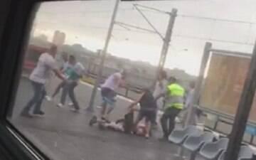 Lamentável! Santista é agredido por palmeirenses em estação de trem