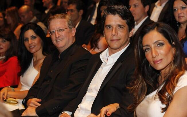 Márcio Garcia com a mulher Andréa Santa Rosa na plateia
