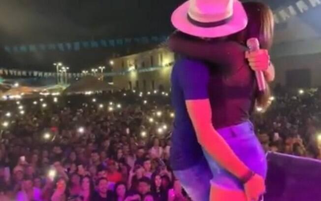 Thullio Milionário é acusado de beijar mulher casada a força
