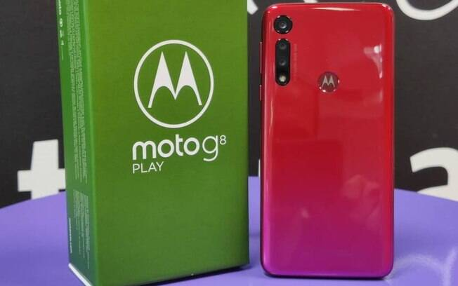 O Moto G8 Play traz mudanças no design