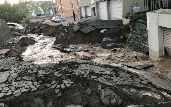 Terremoto no Japão deixa mortos, feridos e desaparecidos; imagens dos danos já estão rodando as redes sociais
