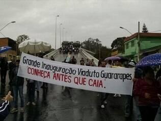 Moradores fecharam avenida Pedro I