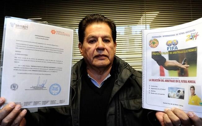 Fernando Méndez Rivero, o boliviano que assegura ter inventado o VAR