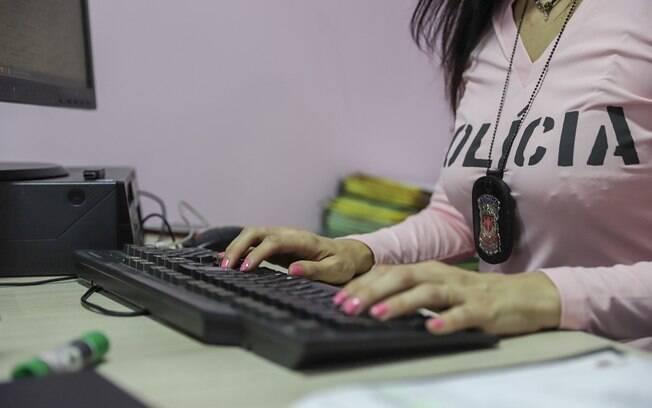 Funcionamento 24 horas de Delegacias de Defesa da Mulher é uma das principais reivindicações feministas