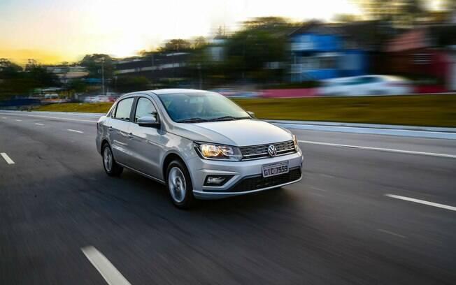 VW Voyage automático tem conjunto bem acertado e passa a ter frente renovada na linha 2019