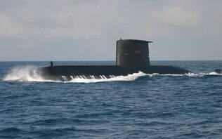 Em acordo, Brasil estuda transferir submarinos à Argentina