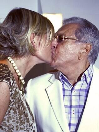 Carlos Alberto de Nóbrega e a namorada Jacqueline Meirelles