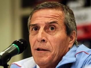 Oscar Tabárez espera que sua seleção reencontre o bom caminho no Brasil