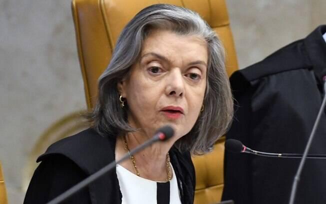Ministra Cármen Lúcia, do STF, deu cinco dias para que a Presidência da República e o Ministério da Defesa prestem esclarecimento