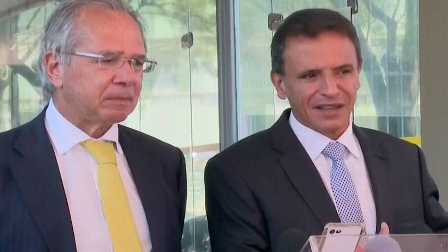 Paulo Guedes, ministro da Economia e Márcio Bittar (MDB- AC) relator da PEC