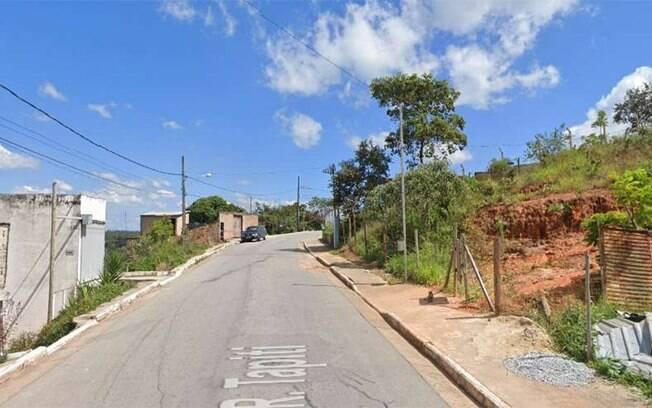 Rua onde o crime foi descoberto, no Bairro Icaivera, em Betim