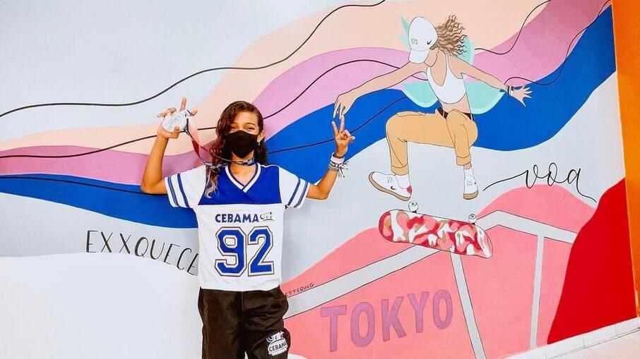 Rayssa ganhou um mural na escola que estuda