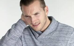 Homem reclama de dor de ouvido e descobre família de baratas no local