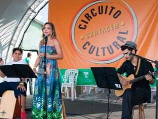 Talento. Danielle Santos, Gilberto Junio Alves e Gustavo Djalma, do Moda MPB interpretam grandes canções