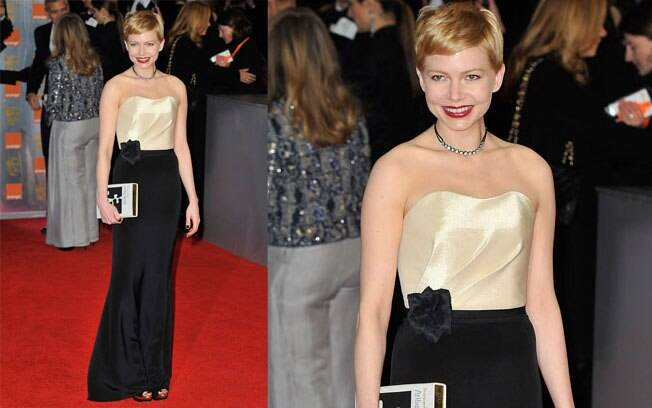 Michelle Williams acertou no modelo jovial e elengante