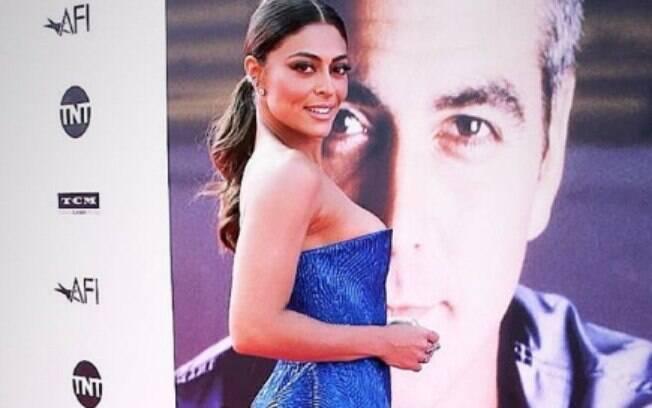 Juliana Paes participou do AFI 2018, em Los Angeles, nos Estados Unidos, uma noite especial que homenageou George Clooney, e ela fez questão de registrar os momentos