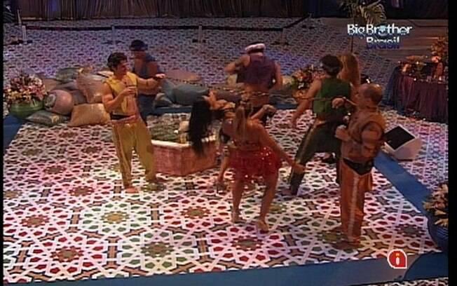 Brothers fazem a 'Dança da cordinha'