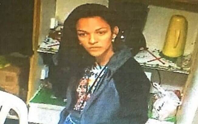 Daniela foi presa após assaltar loja, mas irmã também foi presa ao visitá-la