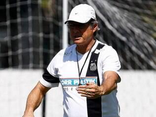 Treinador não vê vantagens em seu time atuar no Pacaembu