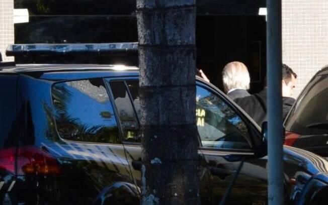 O ex-ministro José Dirceu foi preso hoje (3) em Brasília, pela Polícia Federal, na 17ª fase da Operação Lava Jato