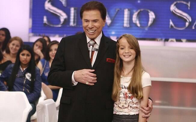 Silvio Santos apresenta a menina fantasma em seu programa
