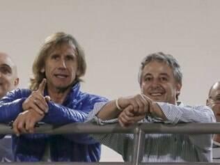 Ricardo Gareca acompanhará  o jogo da equipe palmeirense contra o Grêmio, em Caxias do Sul, no próximo domingo, e de lá deve seguir para Buenos Aires