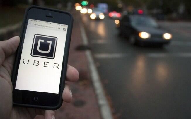 Entre os itens oferecidos pela Uber estão cookies de Toddy, balinhas da Fini, barras de proteína, bolachas e bebidas