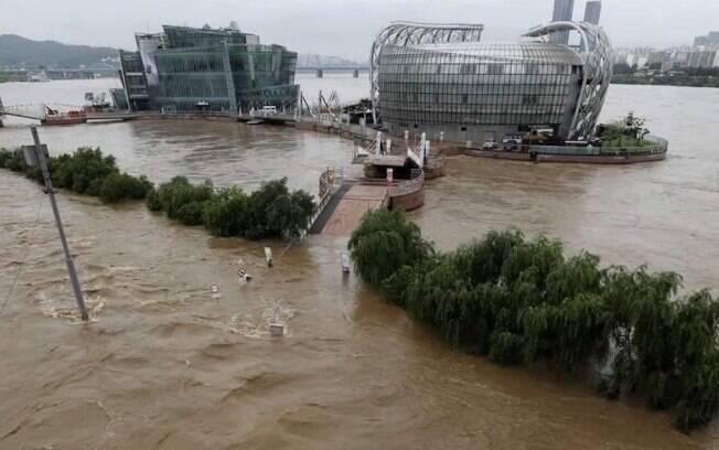 Chuvas e alagamentos foram registrados entre sábado (1) e segunda (3).