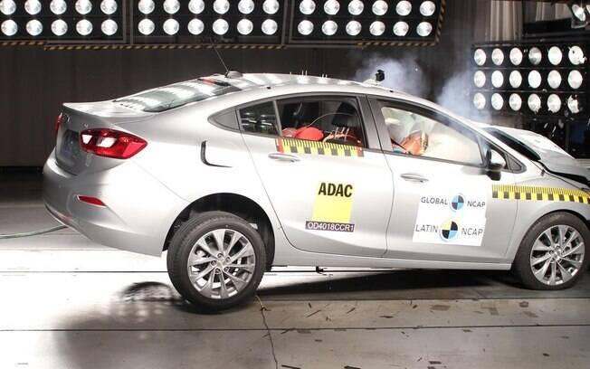 O Chevrolet Cruze também foi submetido a uma nova bateria de testes com bons resultados