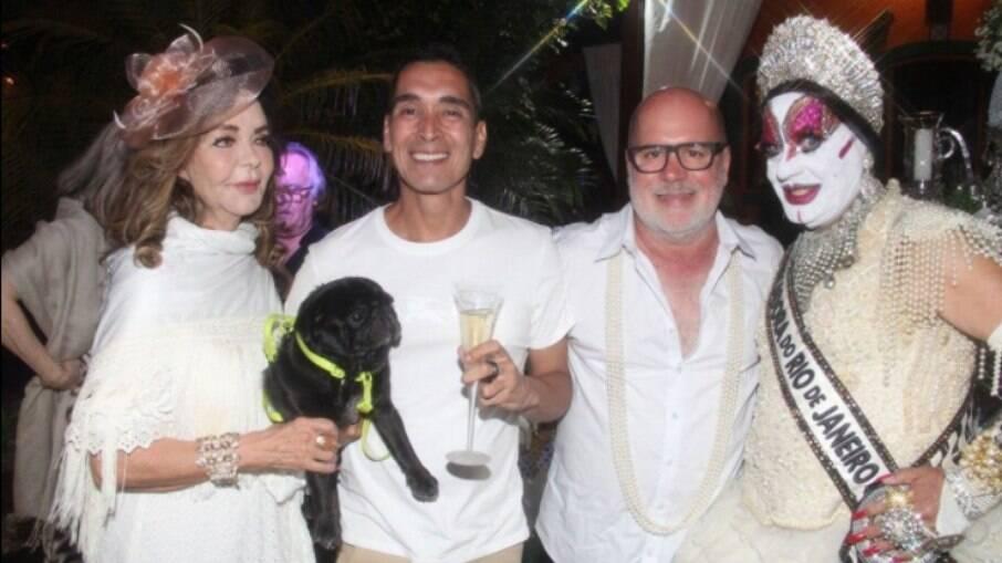 Vera Loyola, Hugo Oliveira, Eder Meneghine e Isabelita dos Patins